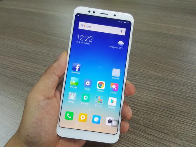 5000 máy Xiaomi Redmi 5 Plus tới tay khách hàng trong ngày đầu mở bán - Ảnh 1