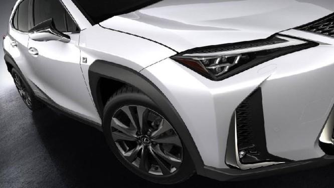 Lexus UX 2019 lộ diện với kiểu dáng 'hợp mốt' đô thị đông đúc - Ảnh 1
