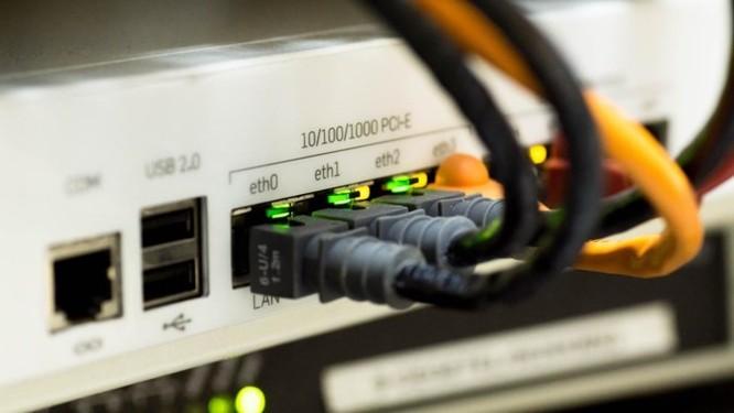 Úc sắp ra luật xử lí vi phạm với các nhà mạng phóng đại tốc độ kết nối Internet - Ảnh 1