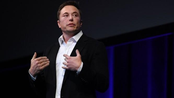 Elon Musk lạc quan về chuyến bay đầu tiên của tàu vũ trụ lên sao Hỏa trong năm 2019 - Ảnh 1