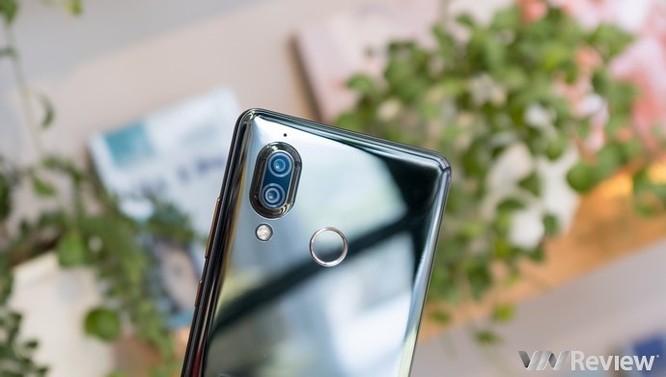 Cận cảnh Sharp Aquos S3 đầu tiên tại Việt Nam: màn tai thỏ 6 inch, Snapdragon 630, giá dự kiến 11 triệu đồng - Ảnh 11