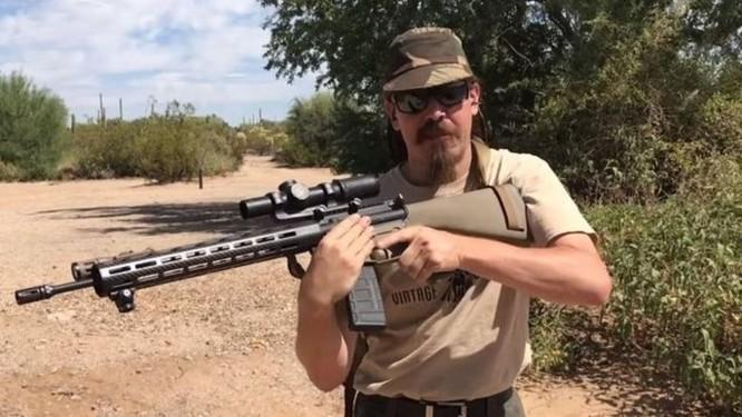 Bị YouTube xua đuổi, chủ các kênh về súng chuyển sang đăng trên... PornHub - Ảnh 1