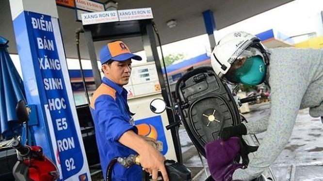 Người mua xăng chính thức được nhận hóa đơn điện tử - Ảnh 1