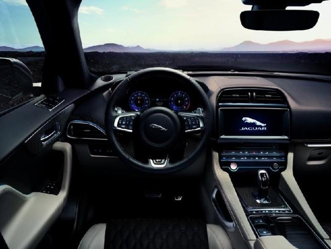 Jaguar F-Pace SVR với công suất 'khủng' thách thức Mercedes - AMG GLS 63 - Ảnh 7