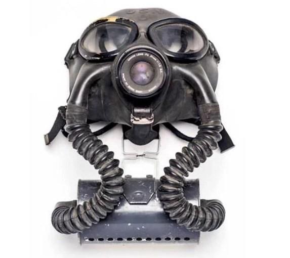 Dạo quanh bảo tàng vũ khí được làm từ máy ảnh và ống kính - Ảnh 19