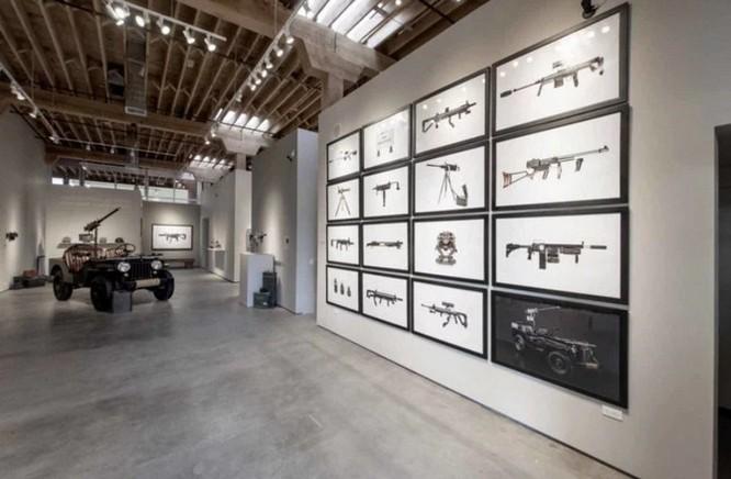 Dạo quanh bảo tàng vũ khí được làm từ máy ảnh và ống kính - Ảnh 4