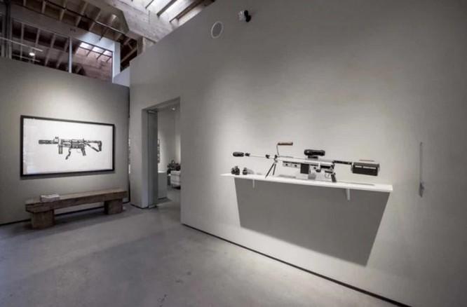 Dạo quanh bảo tàng vũ khí được làm từ máy ảnh và ống kính - Ảnh 5