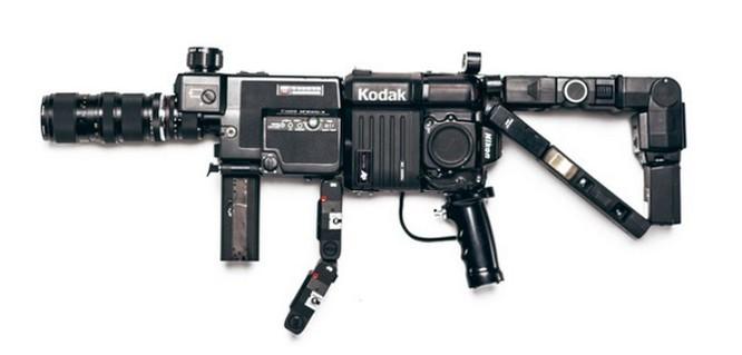 Dạo quanh bảo tàng vũ khí được làm từ máy ảnh và ống kính - Ảnh 8