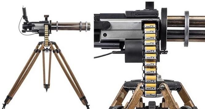 Dạo quanh bảo tàng vũ khí được làm từ máy ảnh và ống kính - Ảnh 9