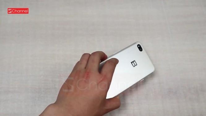 Bphone mới sẽ có 'tai thỏ', nhưng nhỏ hơn iPhone X - Ảnh 1