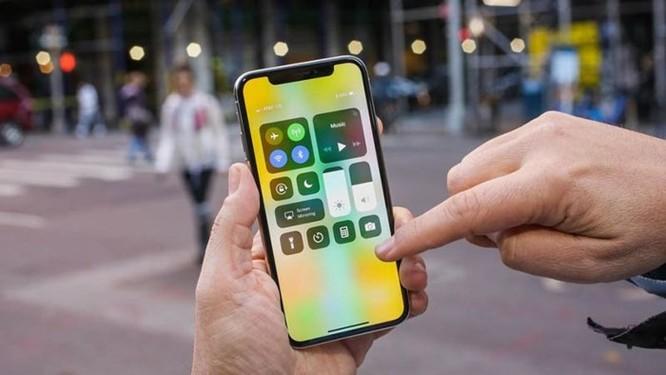 Apple đang nghiên cứu iPhone màn hình cong và thao tác điều khiển mới tối giản hơn ảnh 1