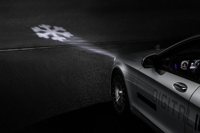 Mercedes-Maybach với Digital Light 'vẽ' được những gì lên mặt đường? ảnh 11