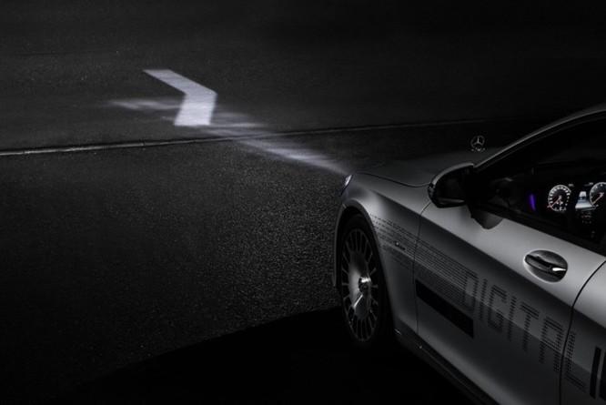 Mercedes-Maybach với Digital Light 'vẽ' được những gì lên mặt đường? ảnh 13