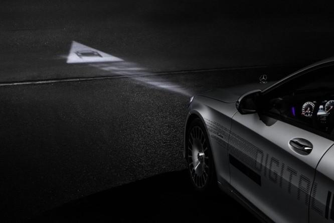 Mercedes-Maybach với Digital Light 'vẽ' được những gì lên mặt đường? ảnh 14