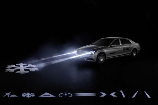 Mercedes-Maybach với Digital Light 'vẽ' được những gì lên mặt đường? ảnh 4