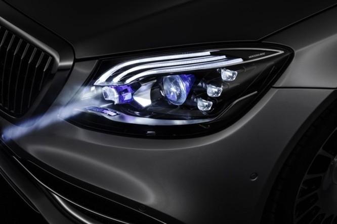 Mercedes-Maybach với Digital Light 'vẽ' được những gì lên mặt đường? ảnh 5