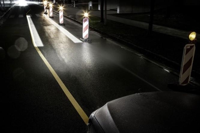 Mercedes-Maybach với Digital Light 'vẽ' được những gì lên mặt đường? ảnh 6