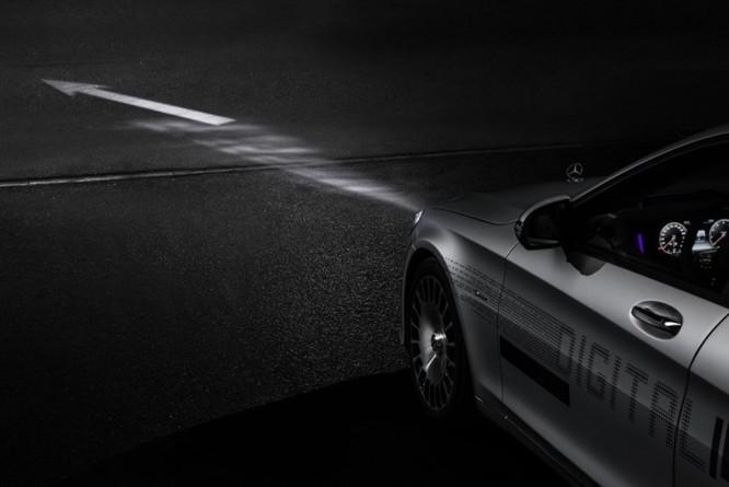 Mercedes-Maybach với Digital Light 'vẽ' được những gì lên mặt đường? ảnh 9