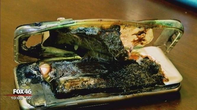 Điện thoại Galaxy J7 phát nổ, Samsung quy trách nhiệm cho bé gái 14 tuổi ảnh 1