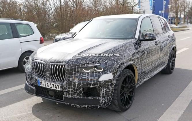 BMW X5 M 2019 được nâng cấp cạnh tranh với Porsche Cayenne Turbo ảnh 1