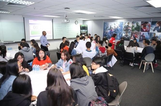 Gần 1.000 học sinh và phụ huynh dự Ngày hội trải nghiệm tại Đại học RMIT ảnh 2