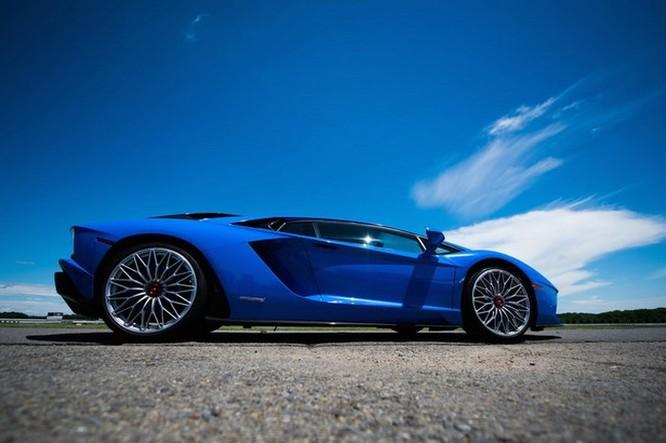 'Khi nào Lambo?' là câu cửa miệng của các triệu phú Bitcoin, mua Lamborghini như biểu tượng giàu có ảnh 1