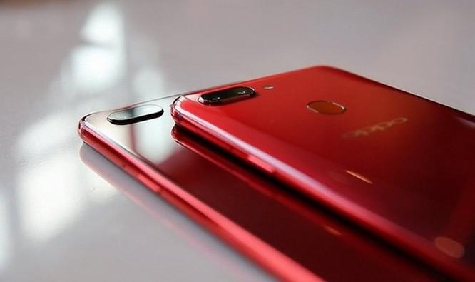 Oppo R15: Thiết kế giống iPhone X nhưng camera ấn tượng ảnh 1