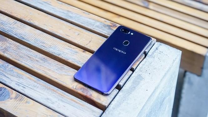 Oppo R15: Thiết kế giống iPhone X nhưng camera ấn tượng ảnh 2