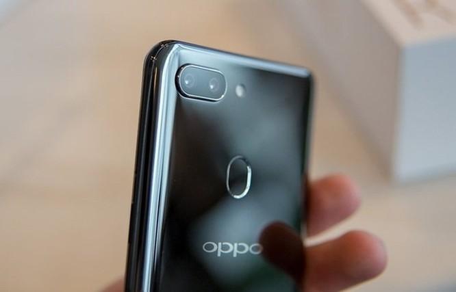 Oppo R15: Thiết kế giống iPhone X nhưng camera ấn tượng ảnh 5