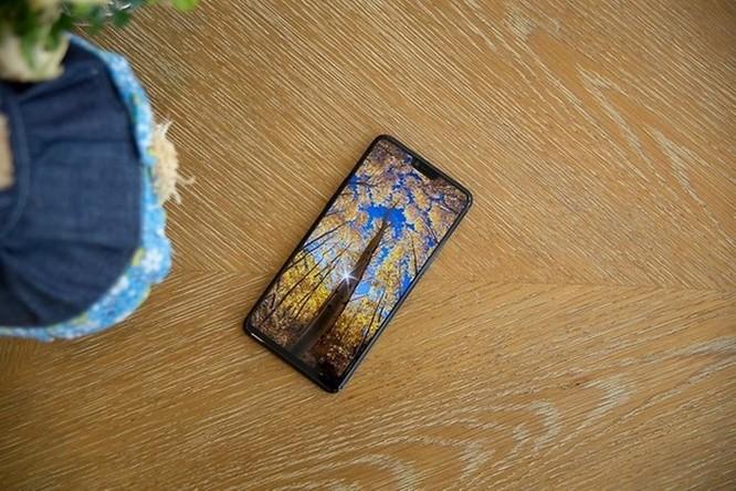 Oppo R15: Thiết kế giống iPhone X nhưng camera ấn tượng ảnh 6