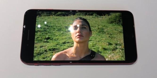 Đây là iPhone 8 Product RED: rất đẹp, rất dễ bám vân tay ảnh 9