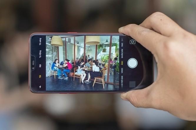 OPPO F7 lên kệ: Màn hình tai thỏ, camera selfie AI cảm biến HDR, giá từ 7,99 triệu đồng ảnh 2