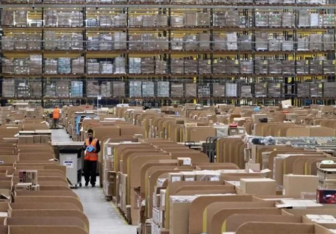 Nhân viên nhà kho của Amazon phải 'đi vệ sinh vào chai' vì sợ bị phạt ảnh 3