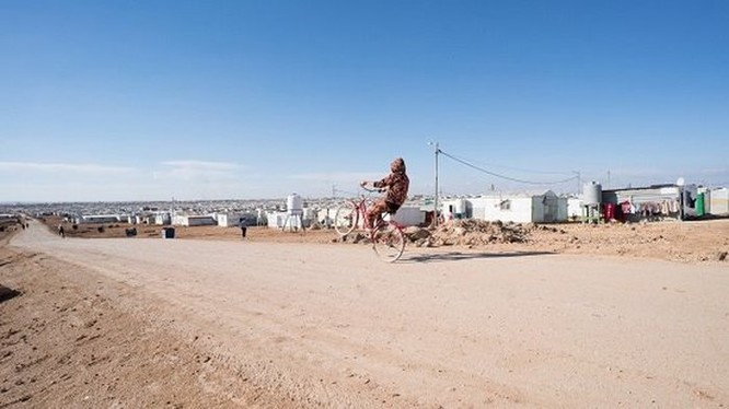 Bên trong trại tị nạn tồn tại nhờ tiền ảo ở Jordan ảnh 3