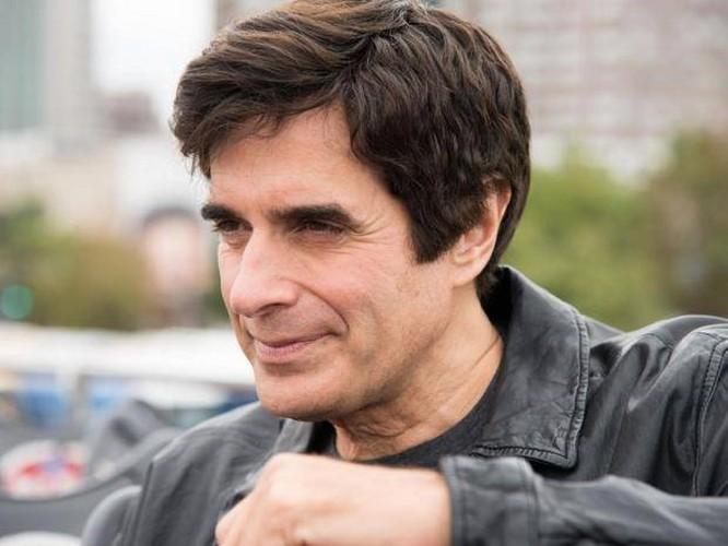 Ảo thuật gia David Copperfield bị kiện, buộc phải tiết lộ thủ thuật làm khán giả 'biến mất' ảnh 1