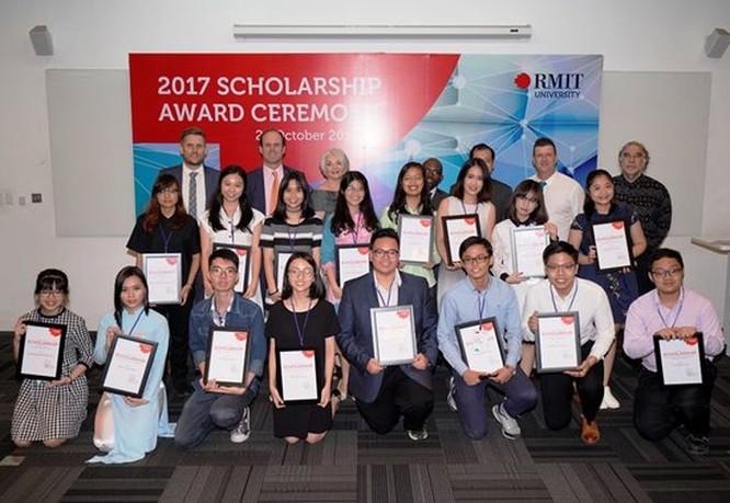 RMIT Việt Nam dành quỹ học bổng 34 tỉ đồng trong năm 2018 cho sinh viên xuất sắc ảnh 1