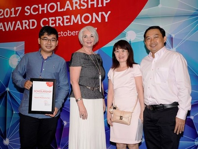 RMIT Việt Nam dành quỹ học bổng 34 tỉ đồng trong năm 2018 cho sinh viên xuất sắc ảnh 2