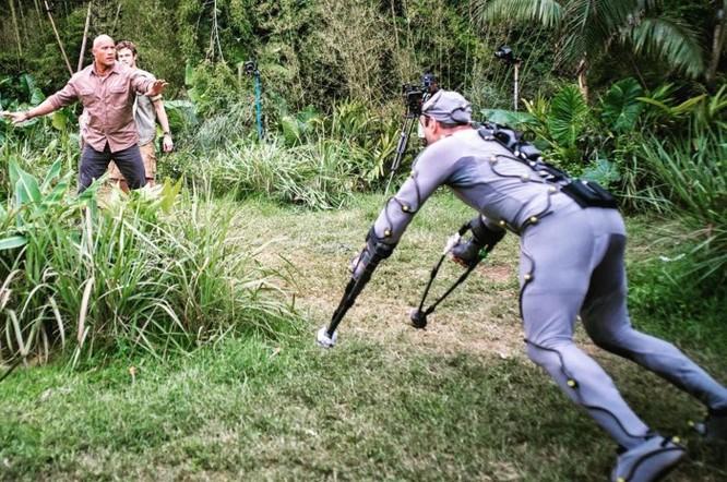 Đánh giá phim Rampage: Xem bò mộng The Rock chinh phục 'King Kong biến đổi gen' ảnh 5