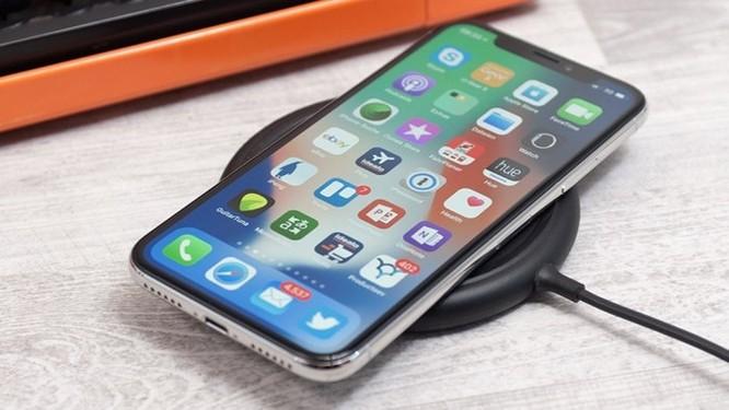 Mất công làm smartphone lưng kính để làm gì nếu không hỗ trợ sạc không dây? ảnh 2