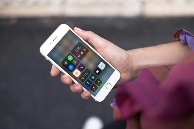 Apple bất ngờ khóa sign hạ cấp về iOS 11.3 chỉ trong vòng chưa đầy 2 tuần ảnh 1