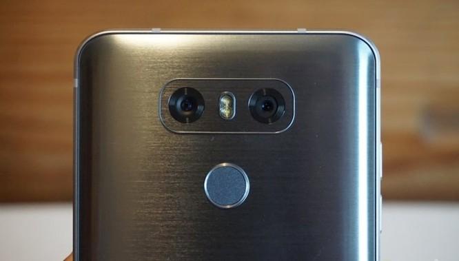 So sánh LG G7 ThinQ và LG G6 ảnh 2