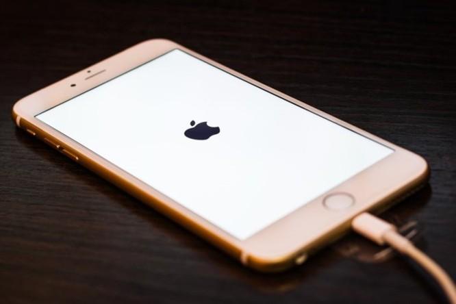 iPhone 2018 sẽ có tặng kèm bộ sạc nhanh 18W theo máy ảnh 3