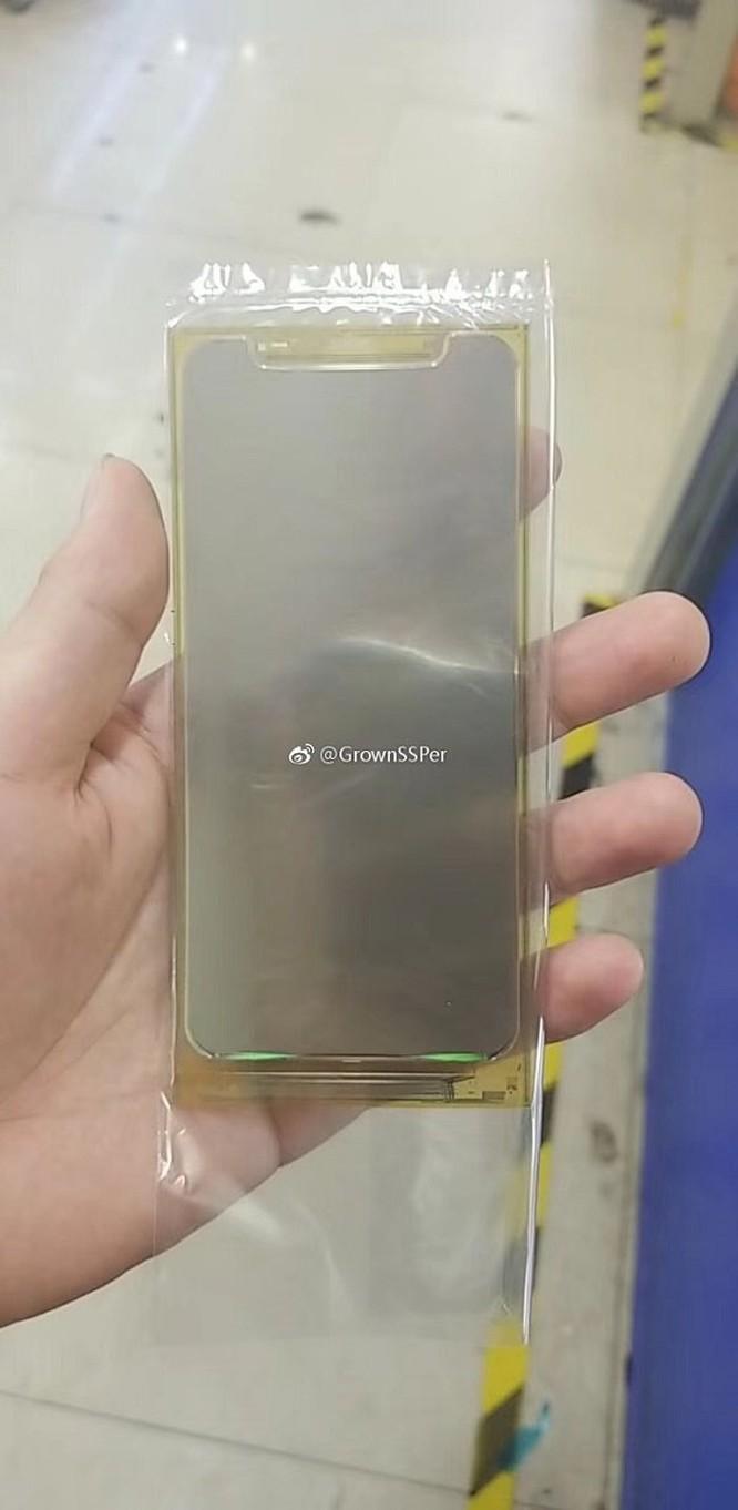 Lộ màn hình iPhone SE 2 bên trong nhà máy sản xuất ảnh 2
