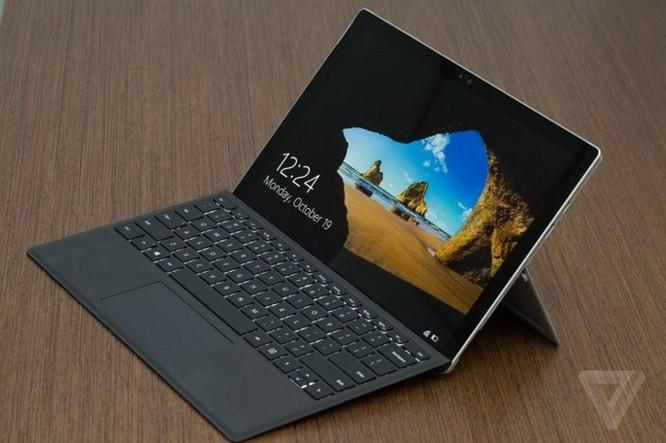Microsoft sẽ thay thế miễn phí những máy Surface Pro 4 dính lỗi chớp màn hình ảnh 1