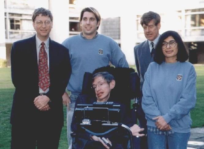 Stephen Hawking, Bill Gates và Elon Musk đều e ngại trí tuệ nhân tạo và robot ảnh 4