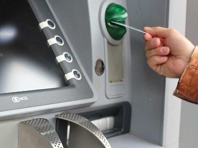 Thiết bị mới giúp hạn chế mất tiền ATM ảnh 1