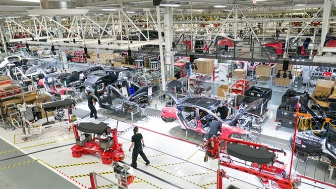 Elon Musk tiết lộ những thông tin mới về việc tái cấu trúc của Tesla ảnh 2