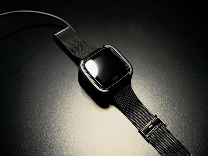 8 lý do nên mua smartwatch Fitbit hơn là Apple Watch ảnh 3