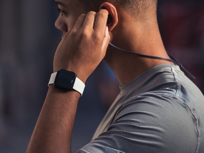 8 lý do nên mua smartwatch Fitbit hơn là Apple Watch ảnh 7