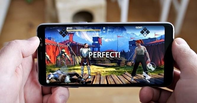 Nên mua Samsung Galaxy A8 2018 hay Galaxy A6 2018? ảnh 16